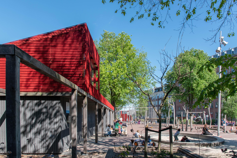 Speeltuingebouw Barentzplein